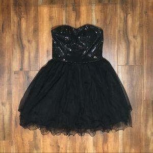 FOREVER 21 | Black Sequin Strapless Dress